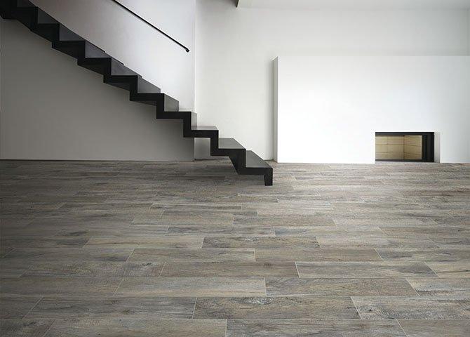 Piastrelle Effetto Legno Tortora : Piastrelle effetto legno serie memory savoia grigio 15x100 cm
