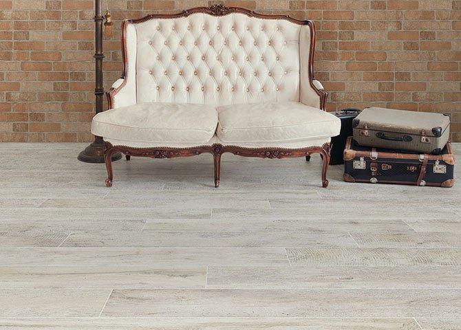 Piastrelle Effetto Legno Tortora : Piastrelle effetto legno serie vintage savoia bianco 15x60